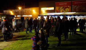 Flot opbakning til årets juletræstænding ved Dagli' Brugsen