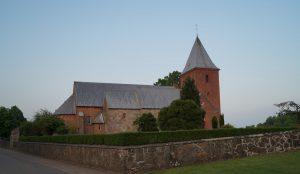 JOB - Graver ved Vejlby Kirke